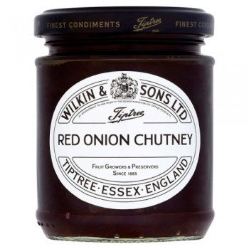 Tiptree caramlisd Red Onion Chutney 220G